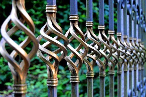 Nowoczesne ogrodzenia z paneli
