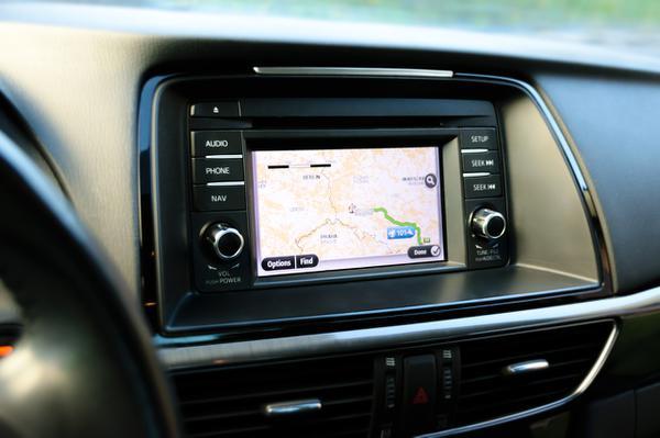 Samochodowa nawigacja z wideorejestracją