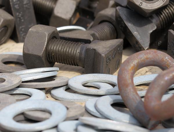 Czym są nitonakrętki aluminiowe?