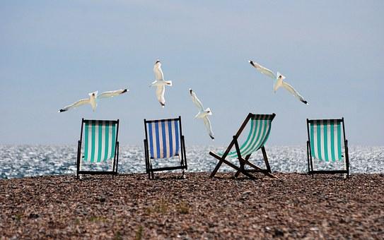 Najlepsze leżaki na plażę i nie tylko